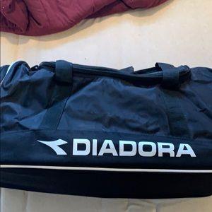 3/$35🤑 diadora duffle bag